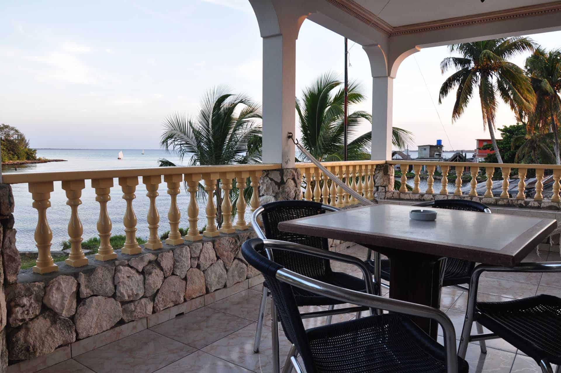 C0208 Casa el Buzo Playa Larga 01 cuba autrement