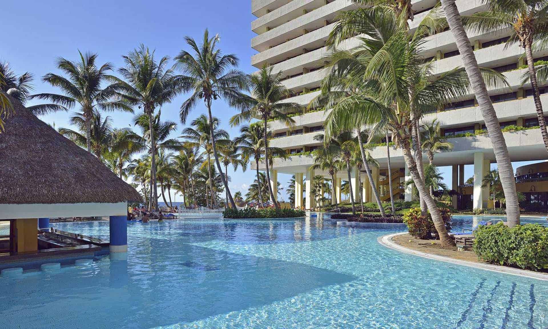 H1453 Piscine hotel Melia La Havane Cuba