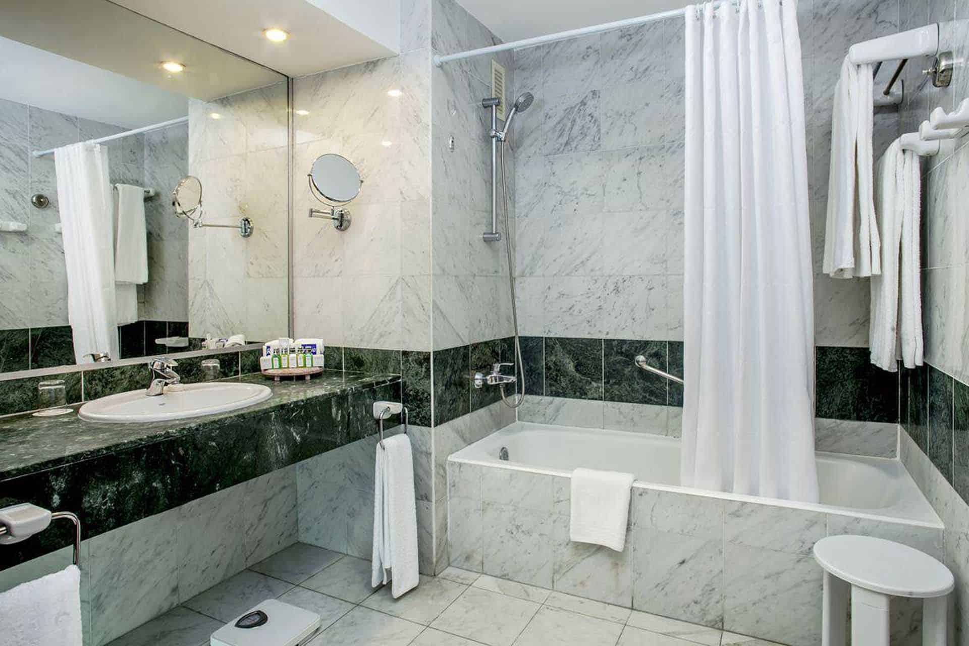 H1453 Salle de bain hotel Melia La Havane Cuba