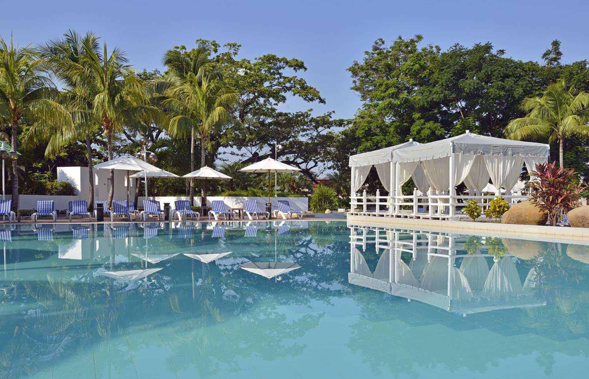 H1630 Piscine de hotel Melia Santiago de Cuba