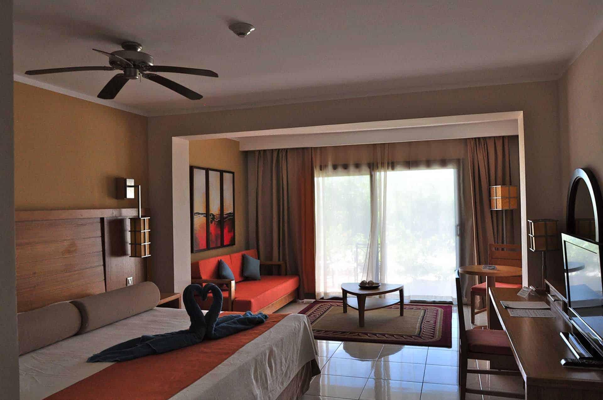 H2393 Hotel Royalton CSM 01 cuba autrement