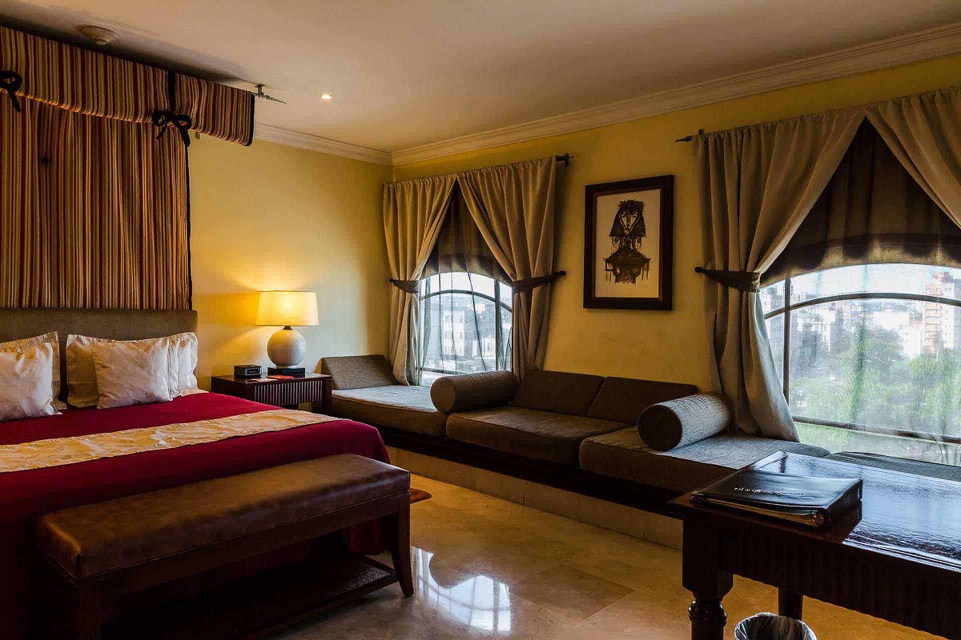 H2483 Hotel Saratoga 06 cuba autrement