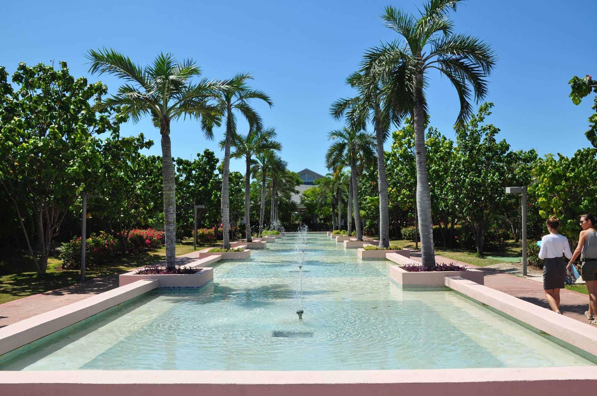cayo santa maria hotel piscine palmiers cuba autrement 1