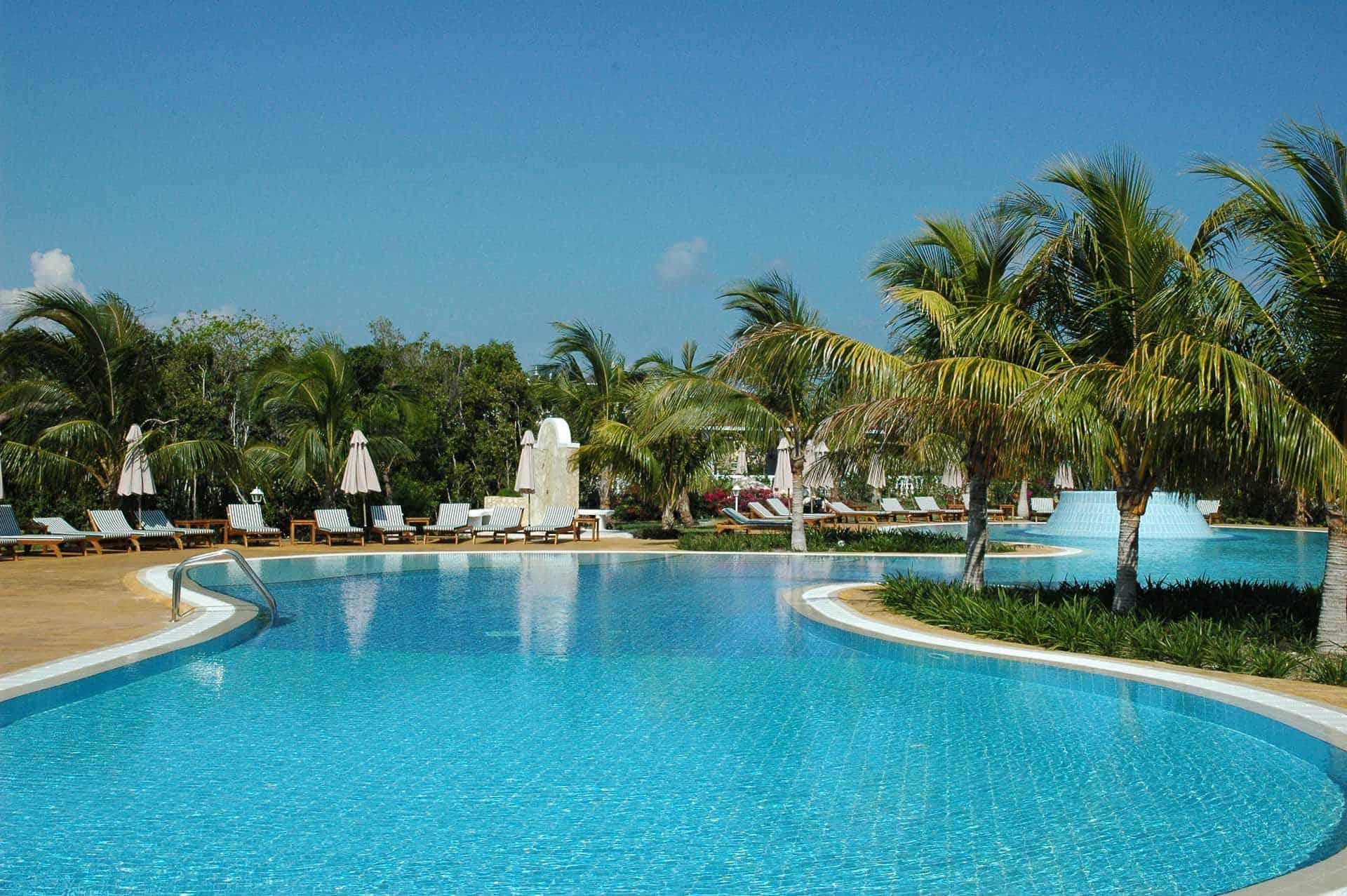 cayo santa maria hotel piscine palmiers cuba autrement 4