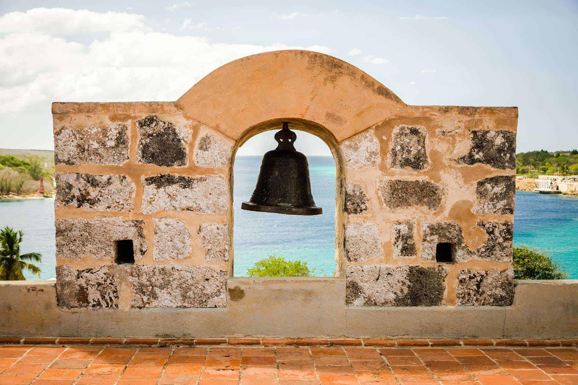 cienfuegos cloche castillo de jagua cuba autrement