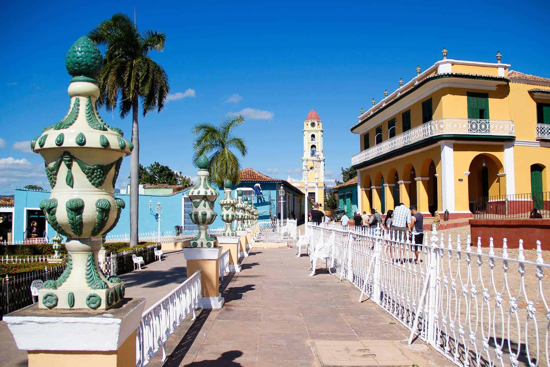 trinidad plaza mayor batiment colonial eglise cuba autrement